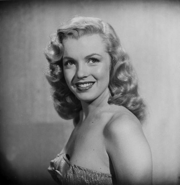 Marilyn_Monroe_1947